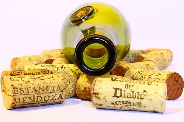 בקבוק יין ריקות